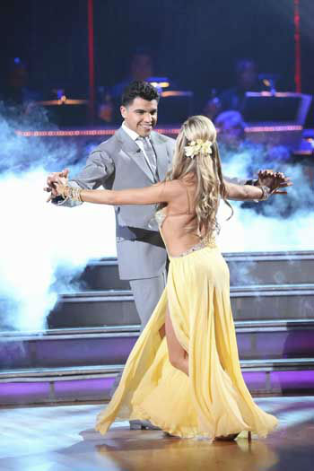 "<div class=""meta image-caption""><div class=""origin-logo origin-image ""><span></span></div><span class=""caption-text"">DANCING WITH THE STARS - ""Episode 1601"" -- ""Dancing with the Stars"" was back with an all-new cast of fresh faces hitting the dance floor. The competition began with the two-hour Season 16 premiere, live, MONDAY, MARCH 18 (8:00-10:01 p.m., ET) on the ABC Television Network.   (ABC/Adam Taylor) VICTOR ORTIZ, LINDSAY ARNOLD (Photo/Adam Taylor)</span></div>"