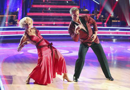 DANCING WITH THE STARS - &#34;Episode 1601&#34; -- &#34;Dancing with the Stars&#34; was back with an all-new cast of fresh faces hitting the dance floor. The competition began with the two-hour Season 16 premiere, live, MONDAY, MARCH 18 &#40;8:00-10:01 p.m., ET&#41; on the ABC Television Network.   &#40;ABC&#47;Adam Taylor&#41; PETA MURGATROYD, SEAN LOWE <span class=meta>(Photo&#47;Adam Taylor)</span>