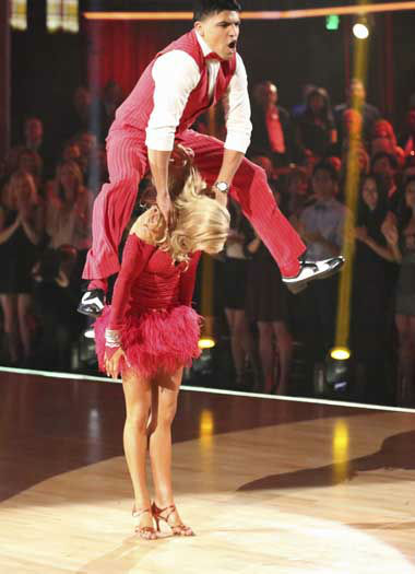 DANCING WITH THE STARS - &#34;Episode 1602&#34; - The competition heats up on &#34;Dancing with the Stars&#34; as the celebrities take on new dance routines and fight for survival, MONDAY, MARCH 25 &#40;8:00-10:02 p.m., ET&#41;. The couples will be performing a Jive, Quickstep or Jazz routine. &#40;ABC&#47;Adam Taylor&#41; VICTOR ORTIZ, LINDSAY ARNOLD <span class=meta>(Photo&#47;Adam Taylor)</span>