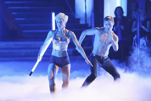 DANCING WITH THE STARS - &#34;Episode 1602&#34; - The competition heats up on &#34;Dancing with the Stars&#34; as the celebrities take on new dance routines and fight for survival, MONDAY, MARCH 25 &#40;8:00-10:02 p.m., ET&#41;. The couples will be performing a Jive, Quickstep or Jazz routine. &#40;ABC&#47;Adam Taylor&#41; KELLIE PICKLER, DEREK HOUGH <span class=meta>(Photo&#47;Adam Taylor)</span>