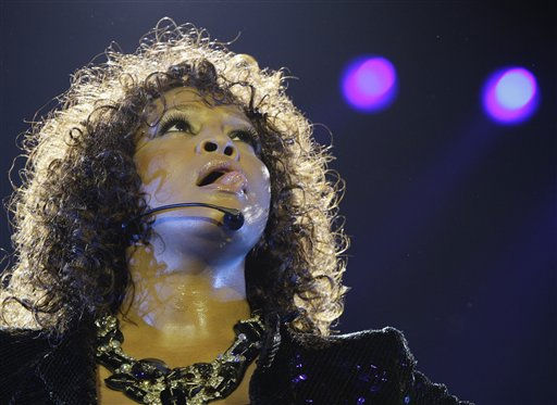 "<div class=""meta ""><span class=""caption-text "">U.S singer Whitney Houston performs at the O2 arena in London as part of her European tour, Sunday, April 25, 2010. (AP Photo/Joel Ryan) (AP Photo/ Joel Ryan)</span></div>"