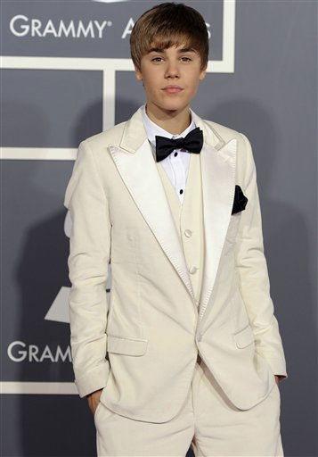 Justin Bieber arrives at the 53rd annual Grammy Awards on Sunday, Feb. 13, 2011, in Los Angeles.   <span class=meta>(AP Photo&#47; Chris Pizzello)</span>