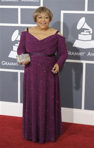 "<div class=""meta ""><span class=""caption-text "">Mavis Staples arrives at the 53rd annual Grammy Awards on Sunday, Feb. 13, 2011, in Los Angeles. (AP Photo/Chris Pizzello) (AP Photo/ Chris Pizzello)</span></div>"