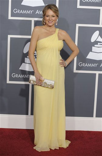 Jewel arrives at the 53rd annual Grammy Awards on Sunday, Feb. 13, 2011, in Los Angeles. &#40;AP Photo&#47;Chris Pizzello&#41; <span class=meta>(AP Photo&#47; Chris Pizzello)</span>