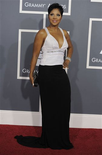 "<div class=""meta ""><span class=""caption-text "">Toni Braxton arrives at the 53rd annual Grammy Awards on Sunday, Feb. 13, 2011, in Los Angeles. (AP Photo/Chris Pizzello) (AP Photo/ Chris Pizzello)</span></div>"
