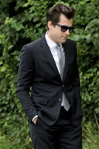 British producer Mark Ronson arrives at Edgwarebury Cemetery, in London, Tuesday July 26, 2011, to attend the funeral of singer Amy Winehouse.  The soul diva, who had battled alcohol and drug addiction, was found dead Saturday at her London home. She was 27. &#40;AP Photo&#47;Jonathan Short&#41; <span class=meta>(AP Photo&#47; Jonathan Short)</span>