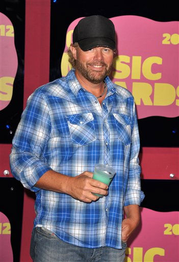 Musician Toby Keith arrives at the 2012 CMT Music Awards on Wednesday, June 6, 2012 in Nashville, Tenn. &#40;Photo by John Shearer&#47;Invision&#47;AP&#41; <span class=meta>(Photo&#47;John Shearer)</span>
