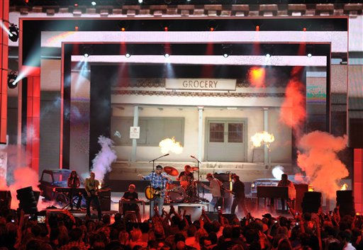 Alan Jackson performs at the 2012 CMT Music Awards on Wednesday, June 6, 2012 in Nashville, Tenn.