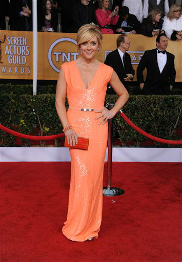 "<div class=""meta ""><span class=""caption-text "">Actress Jane Krakowski arrives at the 19th Annual Screen Actors Guild Awards at the Shrine Auditorium in Los Angeles on Sunday Jan. 27, 2013.   (Photo/Jordan Strauss)</span></div>"