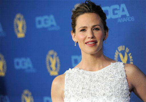 Jennifer Garner arrives at the 65th Annual Directors Guild of America Awards at the Ray Dolby Ballroom on Saturday, Feb. 2, 2013, in Los Angeles. (Photo by Chris Pizzello/Invision/AP)Actress Quvenzhane Wallis, left, and Qulyndreia Wallis arrive at the 65th Annual Directors Guild of America Awards at the Ray Dolby Ballroom on Saturday, Feb. 2, 2013, in Los Angeles. (Photo by Chris Pizzello/Invision/AP)