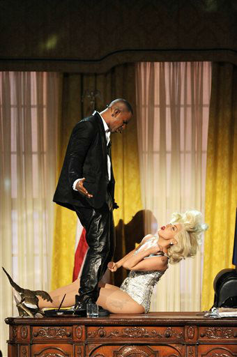 R. Kelly, left, and Lady Gaga perform at the American Music Awards at the Nokia Theatre L.A. Live on Sunday, Nov. 24, 2013, in Los Angeles. &#40;Photo by John Shearer&#47;Invision&#47;AP&#41; <span class=meta>(Photo&#47;John Shearer)</span>