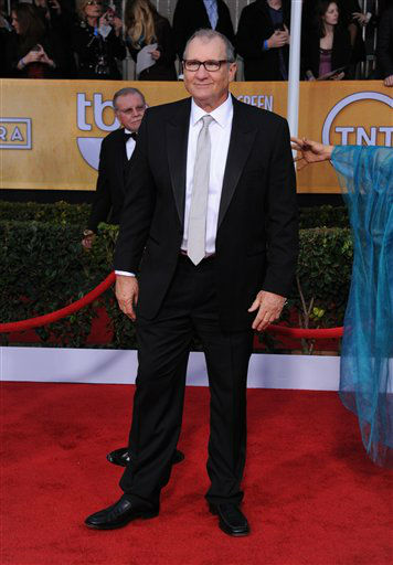 "<div class=""meta ""><span class=""caption-text "">Ed O'Neill arrives at the 19th Annual Screen Actors Guild Awards at the Shrine Auditorium in Los Angeles on Sunday, Jan. 27, 2013.  (Photo/Jordan Strauss)</span></div>"