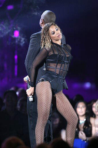 "<div class=""meta ""><span class=""caption-text "">Beyonce, foreground, and Jay-Z perform ""Drunk in Love"" at the 56th annual Grammy Awards at Staples Center on Sunday, Jan. 26, 2014, in Los Angeles.   (Photo/Matt Sayles)</span></div>"