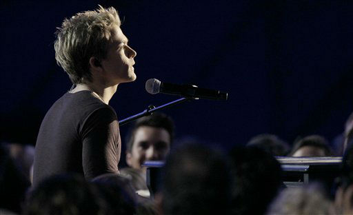 "<div class=""meta ""><span class=""caption-text "">Hunter Hayes performs at the 46th Annual Country Music Awards at the Bridgestone Arena on Thursday, Nov. 1, 2012, in Nashville, Tenn.   (Photo/Wade Pane)</span></div>"