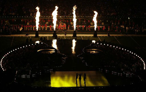 Beyonce, center, and other members of Destiny&#39;s Child, Kelly Rowland, left, and Michelle Williams perform during the halftime show of the NFL Super Bowl XLVII football game Sunday, Feb. 3, 2013, in New Orleans.   <span class=meta>(AP Photo&#47; Charlie Riedel)</span>