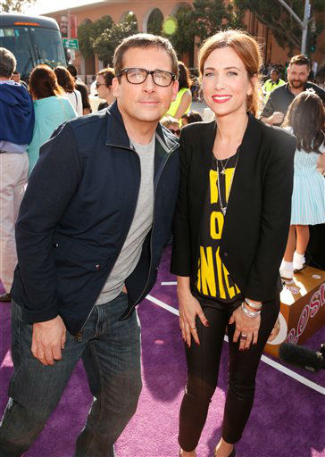 Actor Steve Carell, left, and Kristen Wiig arrive at the 26th annual Nickelodeon&#39;s Kids&#39; Choice Awards on Saturday, March 23, 2013, in Los Angeles. &#40;Photo by Todd Williamson&#47;Invision&#47;AP&#41; <span class=meta>(Photo&#47;Todd Williamson)</span>