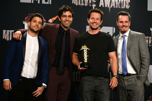 From left, Jerry Ferrara, Adrian Grenier, Mark Wahlberg, winner of MTV Generation Award, and Kevin Dillon poses in the press room at the MTV Movie Awards on Sunday, April 13, 2014, at Nokia Theatre in Los Angeles.   <span class=meta>(Photo by Jordan Strauss&#47;Invision&#47;AP)</span>