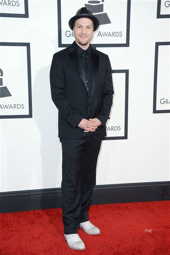 "<div class=""meta ""><span class=""caption-text "">Gavin DeGraw arrives at the 56th annual GRAMMY Awards at Staples Center on Sunday, Jan. 26, 2014, in Los Angeles.  (Photo by Jordan Strauss/Invision/AP)</span></div>"