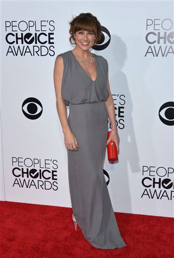 Nikki DeLoach arrives at the 40th annual People's Choice Awards at Nokia Theatre L.A. Live on Wednesday, Jan. 8, 2014, in Los Angeles.