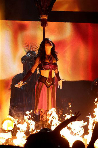 "<div class=""meta image-caption""><div class=""origin-logo origin-image ""><span></span></div><span class=""caption-text"">Katy Perry performs ""Dark Horse"" at the 56th annual Grammy Awards at Staples Center on Sunday, Jan. 26, 2014, in Los Angeles. (Photo by Matt Sayles/Invision/AP) (Photo/Matt Sayles)</span></div>"