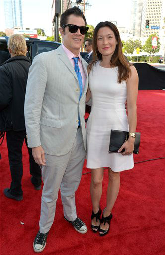 Johnny Knoxville, left, and Naomi Nelson arrive at the 2014 MTV Movie Awards, on Sunday, April 13, 2014 in Los Angeles. &#40;Photo by John Shearer&#47;Invision for MTV&#47;AP Images&#41; <span class=meta>(Photo by John Shearer&#47;Invision for MTV&#47;AP Images)</span>