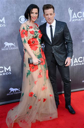 Shawna Thompson, left, and Keifer Thompson, of the musical group Thompson Square, arrive at the 49th annual Academy of Country Music Awards at the MGM Grand Garden Arena on Sunday, April 6, 2014, in Las Vegas. &#40;Photo by Al Powers&#47;Powers Imagery&#47;Invision&#47;AP&#41; <span class=meta>(Al Powers&#47;Powers Imagery)</span>