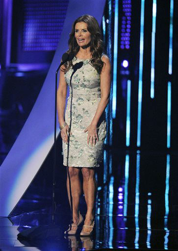 Roma Downey introduces performance by Brad Paisley at the 40th annual People&#39;s Choice Awards at the Nokia Theatre L.A. Live on Wednesday, Jan. 8, 2014, in Los Angeles. &#40;Photo by Chris Pizzello&#47;Invision&#47;AP&#41; <span class=meta>(Photo&#47;Chris Pizzello)</span>