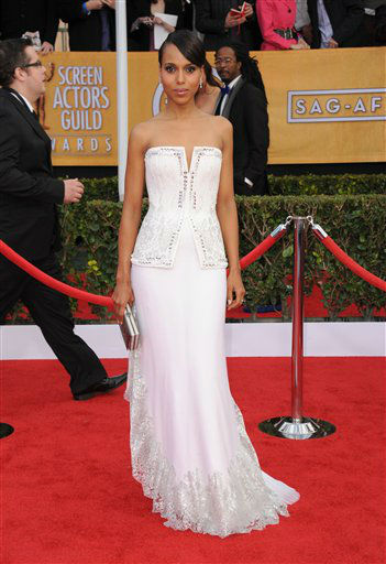 Kerry Washington arrives at the 19th Annual Screen Actors Guild Awards at the Shrine Auditorium in Los Angeles on Sunday, Jan. 27, 2013. &#40;Photo by Jordan Strauss&#47;Invision&#47;AP&#41; <span class=meta>(Photo&#47;Jordan Strauss)</span>