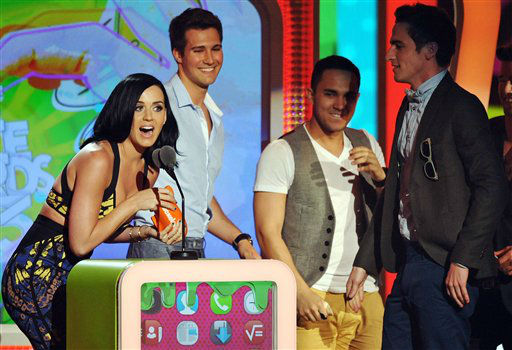 "<div class=""meta ""><span class=""caption-text "">Katy Perry accepts the award for favorite female singer at the 26th annual Nickelodeon's Kids' Choice Awards on Saturday, March 23, 2013, in Los Angeles. (Photo by John Shearer/Invision/AP) (Photo/John Shearer)</span></div>"