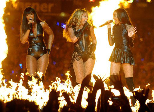 Beyonce performs with Kelly Rowland, left, and Michelle Williams, right, of Destiny&#39;s Child, during the halftime show of the NFL Super Bowl XLVII football game between the San Francisco 49ers and the Baltimore Ravens, Sunday, Feb. 3, 2013, in New Orleans.  <span class=meta>(AP photo)</span>