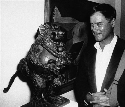 Larry Hagman, who plays the infamous J.R. in popular television series  &#39;Dallas&#39;, views Picasso&#39;s sculpture &#39;Baboon and Young&#39; at the Picasso exhibit at New York?s Museum of Modern Art &#40;MOMA&#41; on Thursday, August 8, 1980. Hagman is one of the actors not working because of the Screen Actors Guild strike. &#40;AP Photo&#47; Leonardo Legrand&#41; <span class=meta>(AP Photo&#47; Leonardo Legrand)</span>