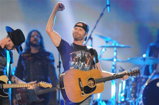 "<div class=""meta ""><span class=""caption-text "">Dierks Bentley performs during the American Country Awards on Monday, Dec. 10, 2012, in Las Vegas. (Photo by Al Powers/Powers Imagery/Invision/AP) (Photo/Al Powers)</span></div>"