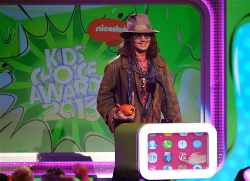 Johnny Depp accepts the award for favorite movie actor for ?Dark Shadows? at the 26th annual Nickelodeon&#39;s Kids&#39; Choice Awards on Saturday, March 23, 2013, in Los Angeles. &#40;Photo by John Shearer&#47;Invision&#47;AP&#41; <span class=meta>(Photo&#47;John Shearer)</span>