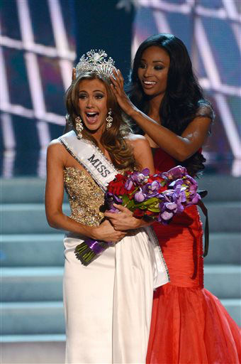 "<div class=""meta image-caption""><div class=""origin-logo origin-image ""><span></span></div><span class=""caption-text"">Miss Connecticut Erin Brady is crowned the winner of the Miss USA 2013 pageant by Nana Meriwether, Sunday, June 16, 2013, in Las Vegas.  (AP Photo/ Jeff Bottari)</span></div>"