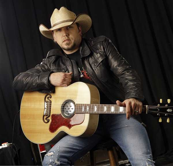 Country music performer Jason Aldean is shown March 3, 2009, in Nashville, Tenn. (AP Photo/Mark Humphrey)