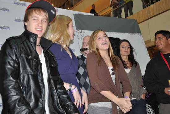 "<div class=""meta image-caption""><div class=""origin-logo origin-image ""><span></span></div><span class=""caption-text"">On Sunday, 46 local fans tried to sing their way into a chance to meet pop star Justin Bieber </span></div>"