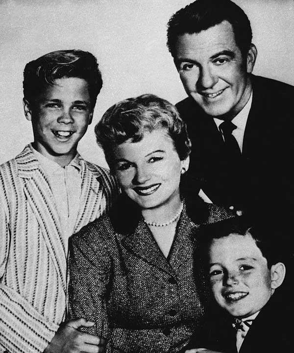 "<div class=""meta ""><span class=""caption-text "">Barbara Billingsley as June Cleaver in 'Leave it to Beaver'  The cast of the TV series ""Leave It to Beaver,"" pose for a publicity portrait in this undated photo. The show, which aired from 1957 to 1963, starred, from left; Tony Dow as Wally, Barbara Billingsley as June, Hugh Beaumont as Ward and Jerry Mathers as Beaver.  (AP Photo/file) (AP)</span></div>"