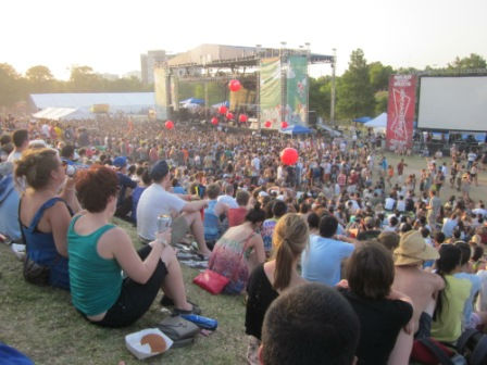 "<div class=""meta ""><span class=""caption-text "">Thousands braved the heat this weekend to enjoy Houston's two-day music festival at Eleanor Tinsley Park. Ween headlined on Saturday, while Weezer was the main event on Sunday. (KTRK Photo)</span></div>"