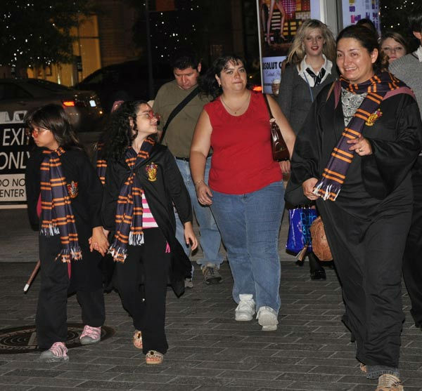 "<div class=""meta ""><span class=""caption-text "">Fans packed CityCentre in west Houston to watch the midnight premiere of Harry Potter and the Deathly Hallows ? Part 2, the last of the series based on the books (KTRK Photo)</span></div>"