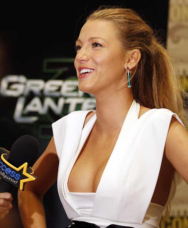 "Actress Blake Lively answers a question at press line before a panel for her movie ""Green Lantern"" at Comic-Con International Saturday, July 24, 2010 in San Diego. (AP Photo/Denis Poroy)"