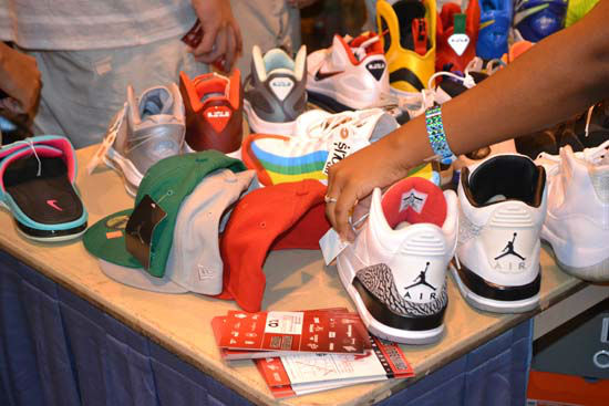 "<div class=""meta image-caption""><div class=""origin-logo origin-image ""><span></span></div><span class=""caption-text"">Many sneaker lovers from all over Texas packed the Reliant Center on Sunday, July 29, to attend the H-Town Sneaker Summit. (KTRK Photo/ Alex Green)</span></div>"