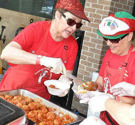 "<div class=""meta ""><span class=""caption-text "">The 34th Italian Festival features everything from delicious Italian food, pastries, shopping for unique items and plenty of entertainment.  The festival runs through Sunday on the campus of the University of St. Thomas. (ABC-13/Blanca Beltran-Brand)</span></div>"