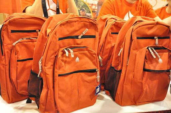 "<div class=""meta ""><span class=""caption-text "">Shell teamed up with HISD and the City of Houston to host 2012's Back to School Fest Saturday, August 11,2012 at Reliant Center.  They gave away backpacks, school supplies, uniforms, immunizations to help get students ready for the school year. (Photo/ABC13)</span></div>"