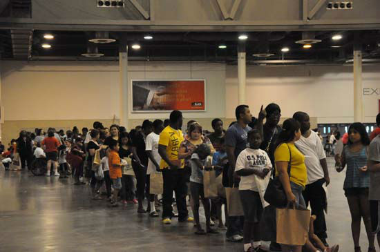 "<div class=""meta image-caption""><div class=""origin-logo origin-image ""><span></span></div><span class=""caption-text"">Shell teamed up with HISD and the City of Houston to host 2012's Back to School Fest Saturday, August 11,2012 at Reliant Center.  They gave away backpacks, school supplies, uniforms, immunizations to help get students ready for the school year. (Photo/ABC13)</span></div>"