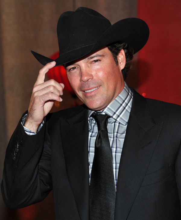 Clay Walker will kick off this year's RodeoHouston and will perform on Tuesday, March 1st. (AP Photo)