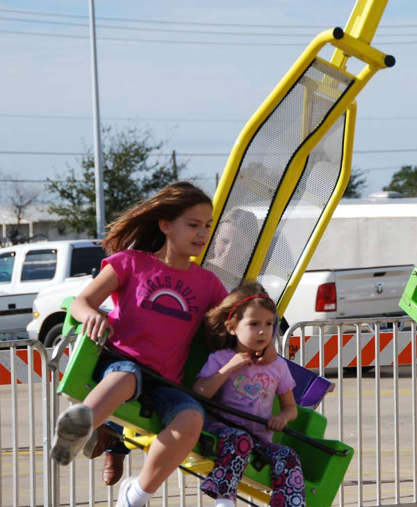The 15th Annual Pearland Winterfest was held on Saturday.  It was a fun-filled day with the sights, sounds and activities of winter, including rides and great entertainment.  <span class=meta>(KTRK)</span>