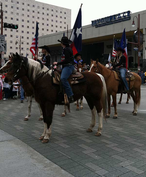 "<div class=""meta ""><span class=""caption-text "">Photos from Rodeo Houston Parade, February 26, 2011 (KTRK)</span></div>"
