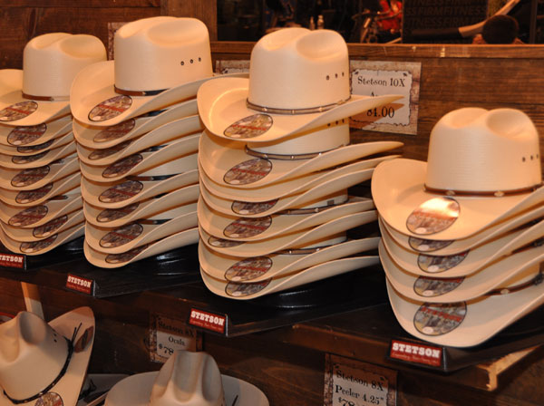 "<div class=""meta image-caption""><div class=""origin-logo origin-image ""><span></span></div><span class=""caption-text"">There is plenty of shopping to do at the Houston Livestock Show and Rodeo (KTRK/Blanca Beltran)</span></div>"