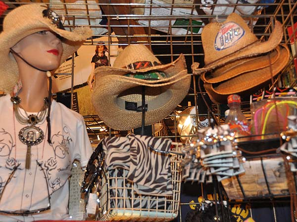 There is plenty of shopping to do at the Houston Livestock Show and Rodeo <span class=meta>(KTRK&#47;Blanca Beltran)</span>
