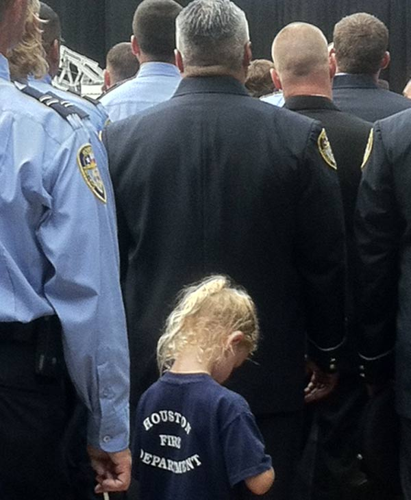 Some brought their children to pay respect to the fallen firefighters <span class=meta>(ABC13&#47;Deborah Wrigley)</span>